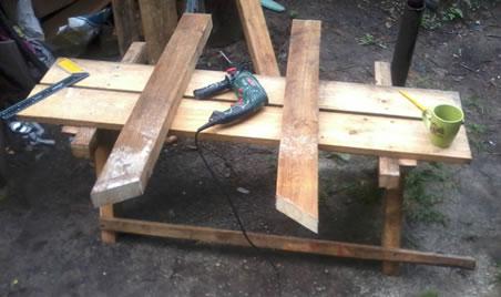 Как сделать столик на кладбище своими руками